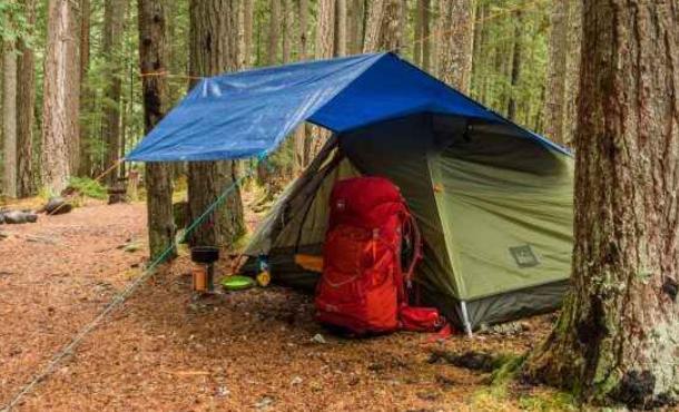 bring a tarp in rainy days