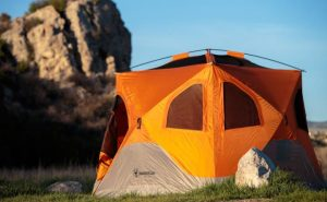 guides to set up and put down a pop up tent