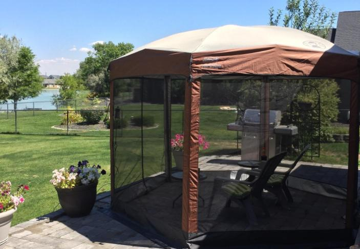 main features of coleman screened canopy tent 12x10