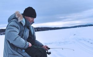 what to wear when go icefishing