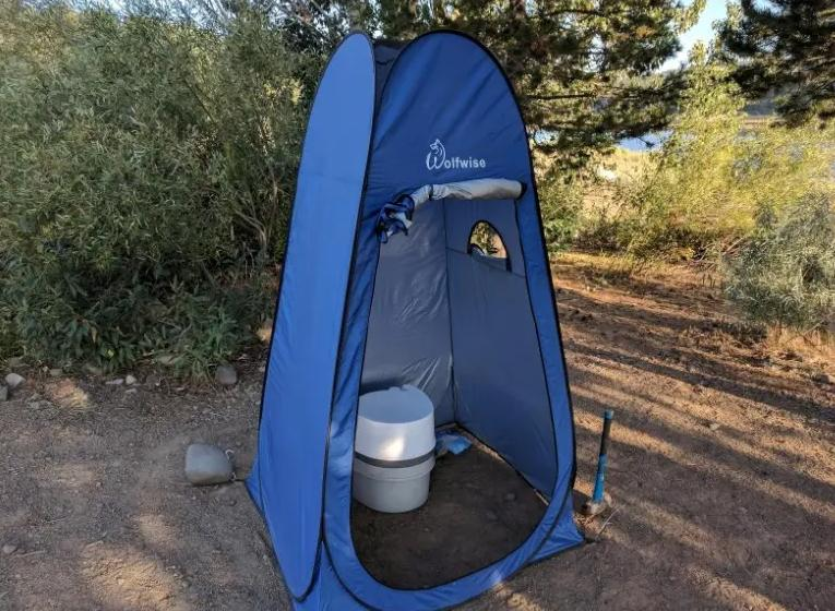 guides to use a shower tent